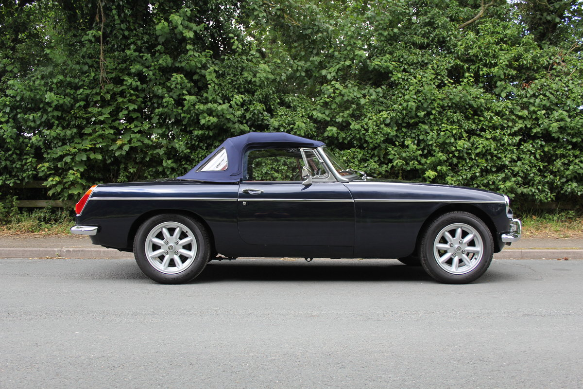 1976 MGB Roadster - 6500 Miles since restoration  For Sale (picture 6 of 12)