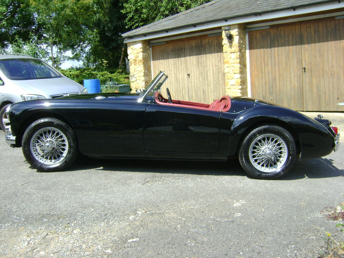 1959 MGA 1600 Mk.I Roadster LHD SOLD (picture 1 of 6)