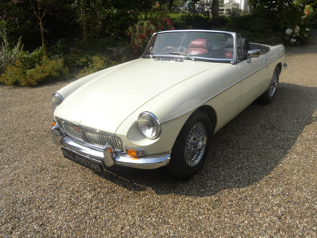 1970 MGB ROADSTER 'HERITAGE SHELL' For Sale (picture 1 of 6)