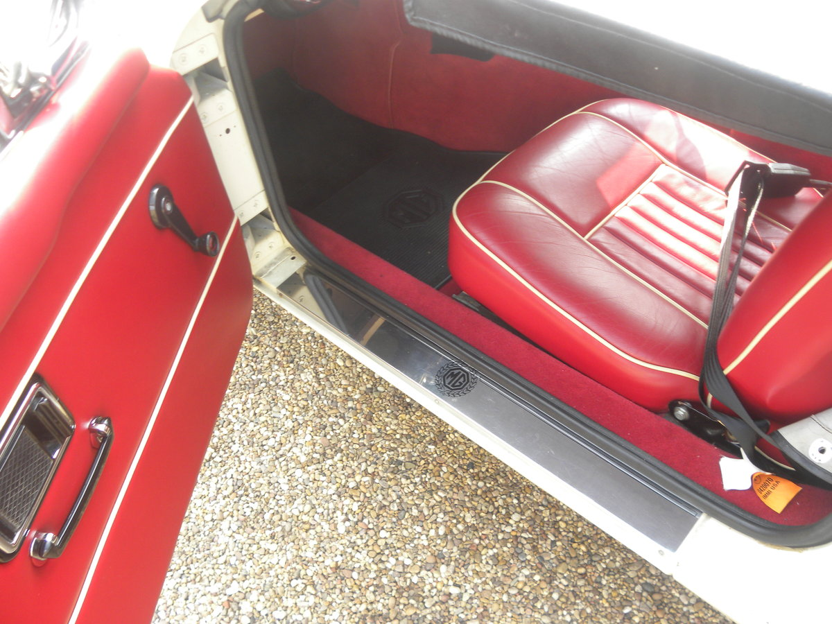 1970 MGB ROADSTER 'HERITAGE SHELL' For Sale (picture 6 of 6)