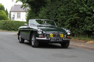 Picture of 1964 MGB Roadster - Pull handle, Overdrive, Wires SOLD