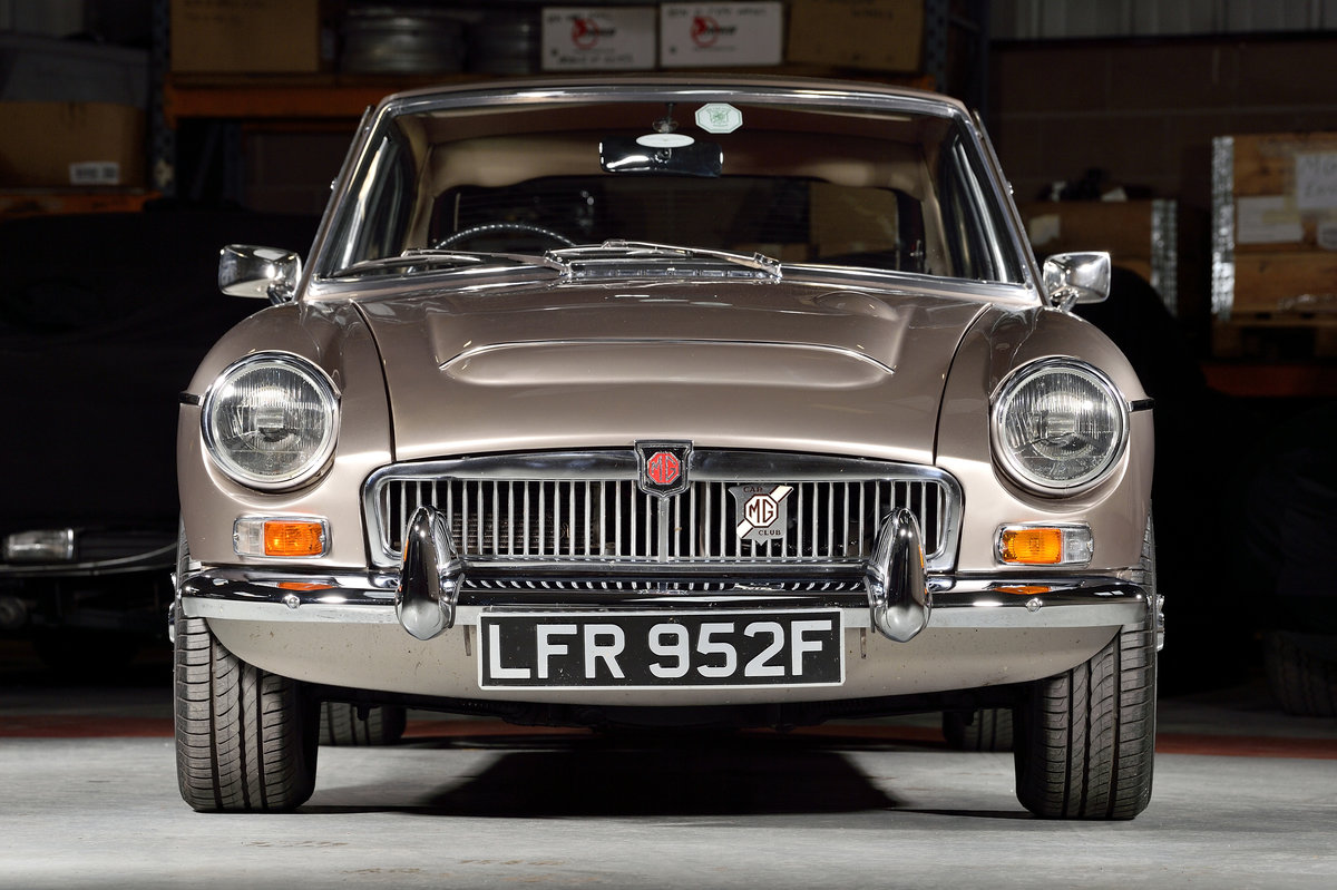1968 Outstanding MGC GT recently restored SOLD (picture 2 of 6)