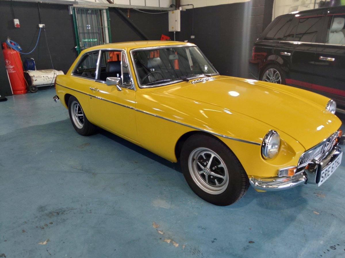 1972 Mgb gt superb condition For Sale (picture 2 of 4)