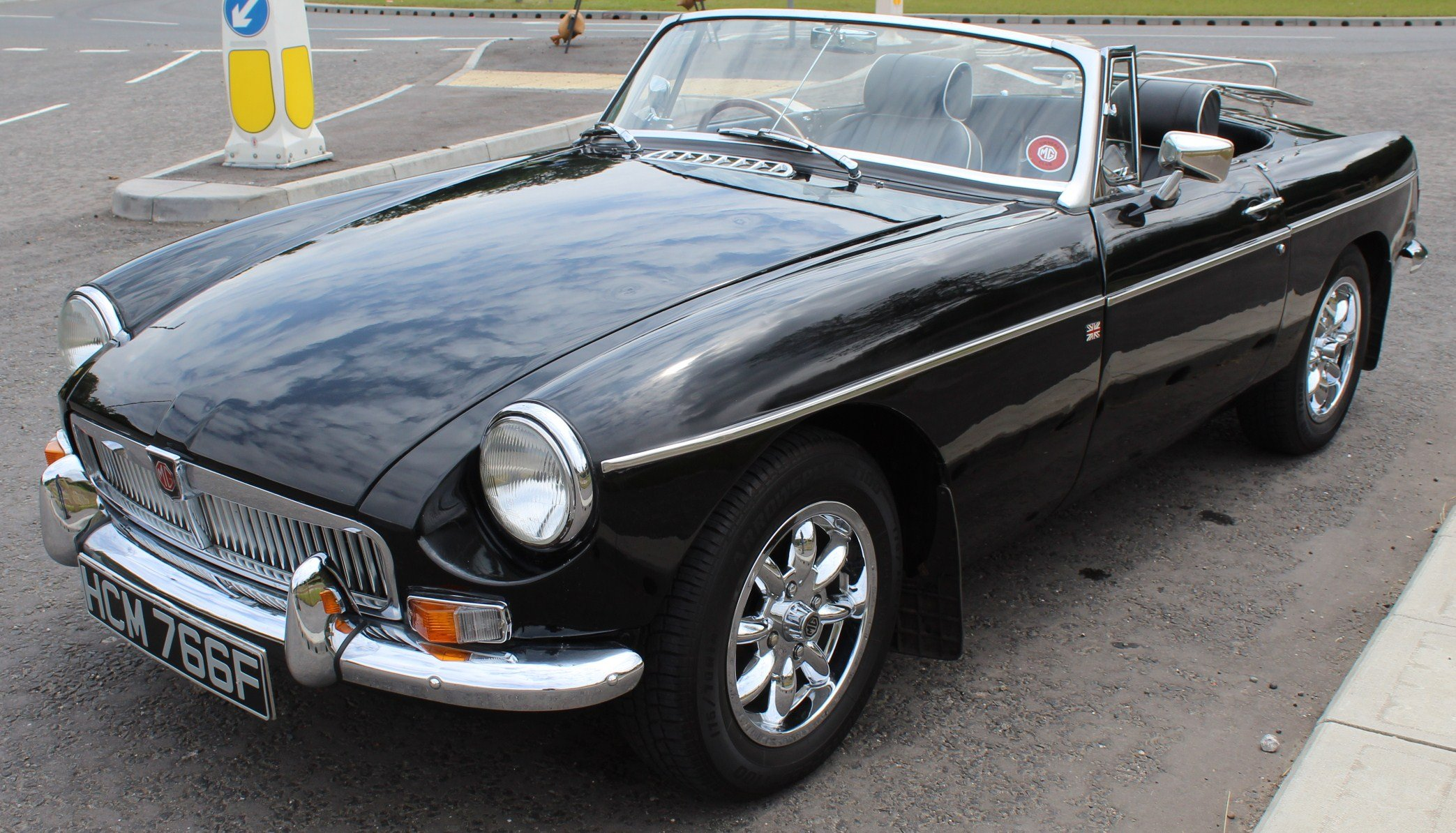 1968 MGB Roadster With Overdrive , Original Factory Black  SOLD (picture 3 of 6)