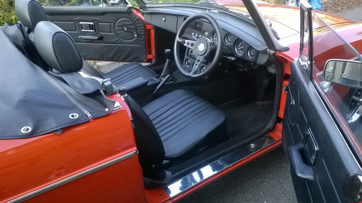 1977 1978 MGB Roadster.    Price reduced SOLD (picture 3 of 6)