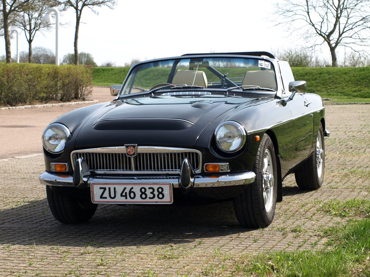 1971 MGB V8 Convertible - Professionally built RHD Immaculate For Sale (picture 1 of 6)