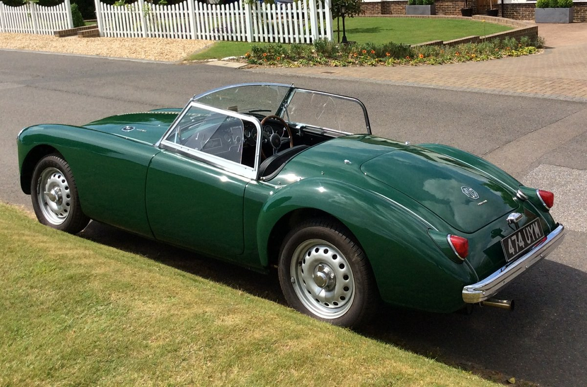1958 MGA Twin Cam Totally Restored For Sale (picture 2 of 6)