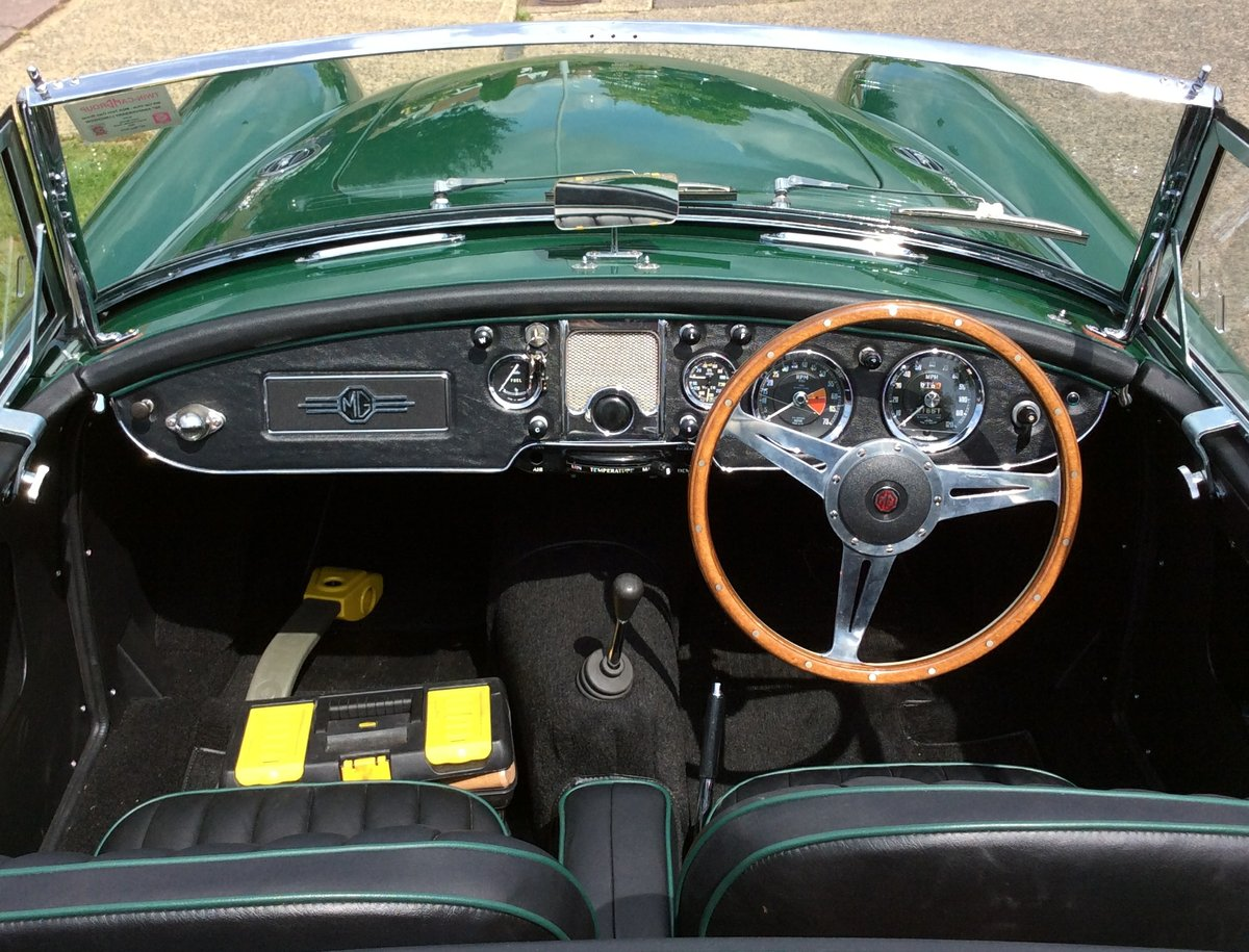 1958 MGA Twin Cam Totally Restored For Sale (picture 3 of 6)