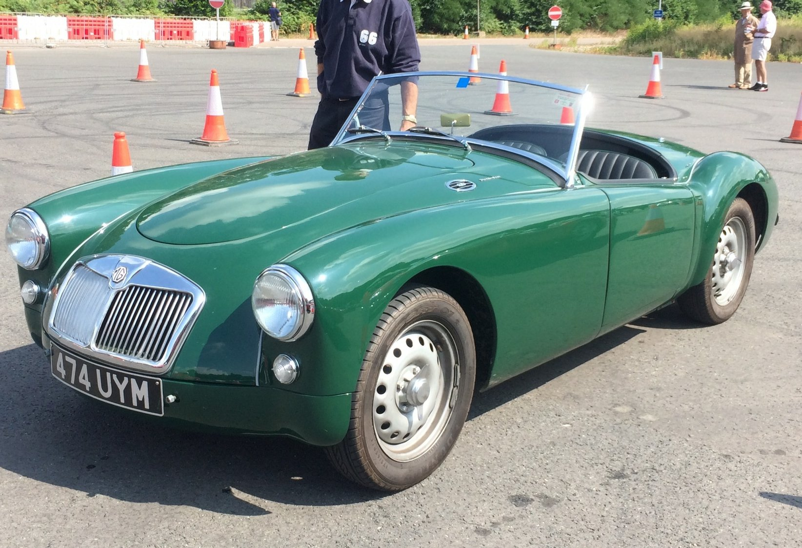 1958 MGA Twin Cam Totally Restored For Sale (picture 4 of 6)