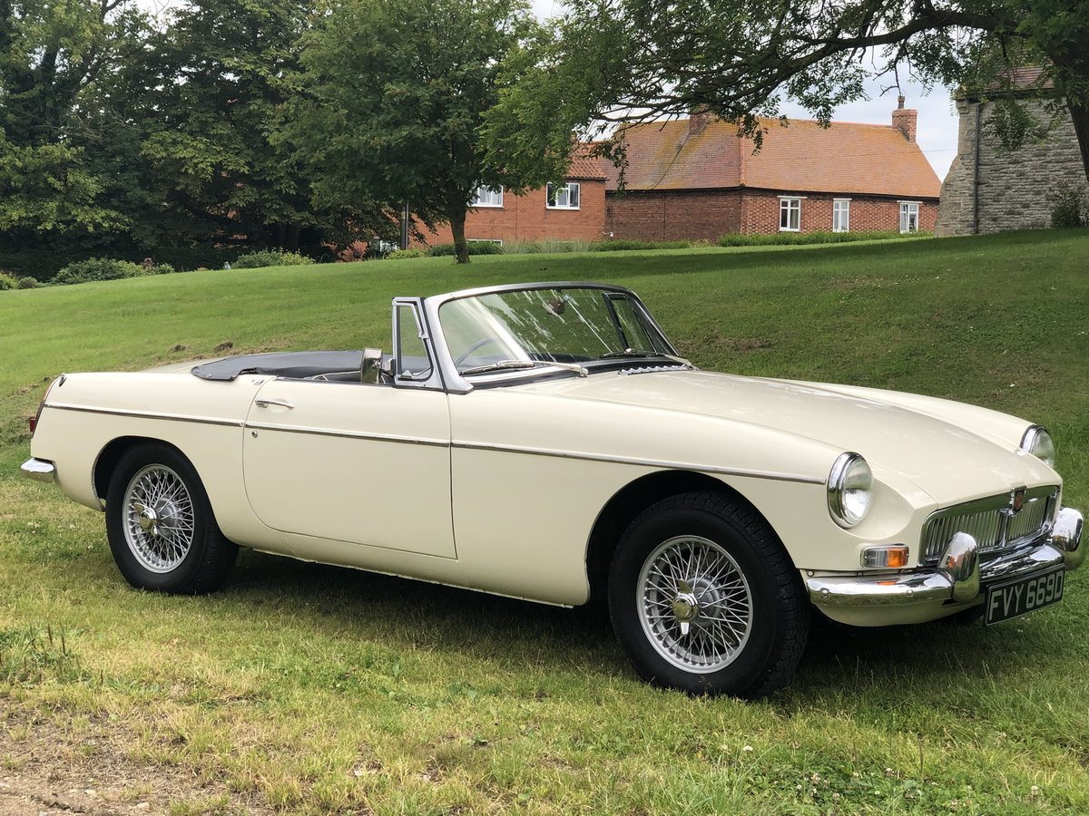 MGB Roadster MK1-1966 3 owners from new/restored/very clean SOLD (picture 1 of 6)