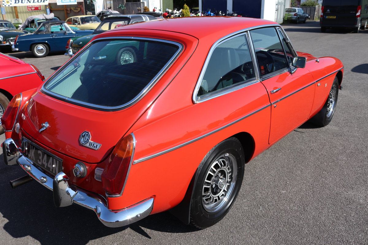 1975 MGB GT V8 FACTORY CAR SOLD (picture 3 of 6)