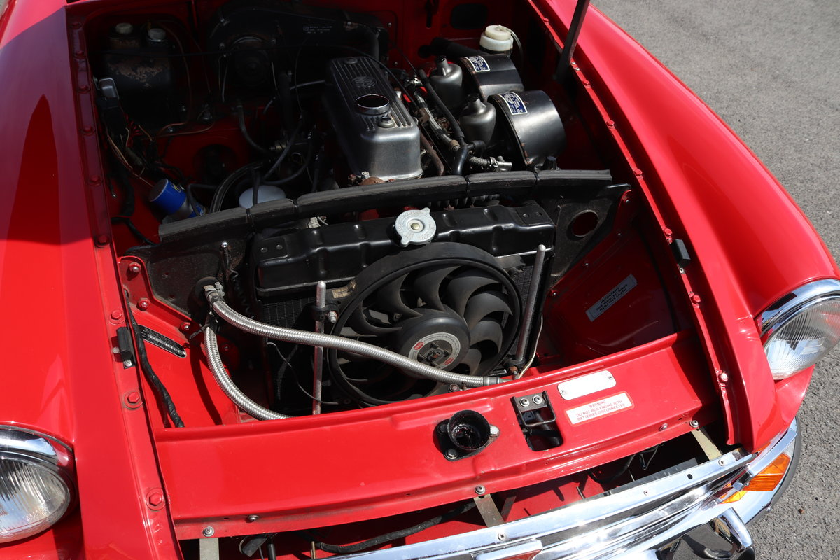 1970 MGB Roadster , tartan red For Sale (picture 4 of 6)
