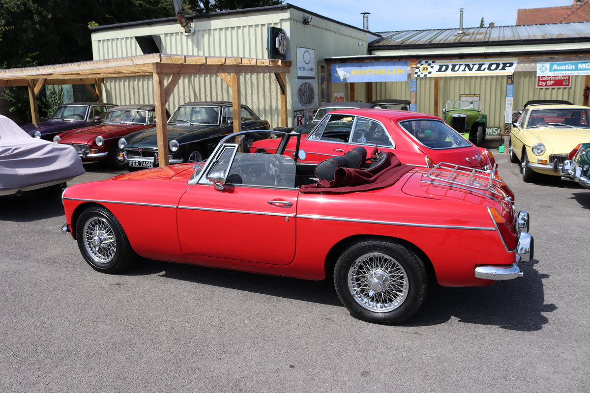 1970 MGB Roadster , tartan red For Sale (picture 6 of 6)