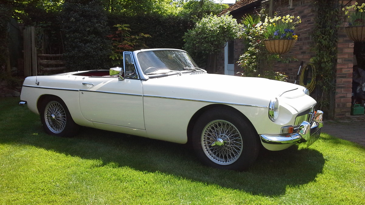 1968 MGC Roadster, manual with overdrive. For Sale (picture 1 of 6)