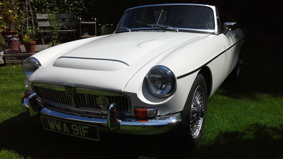 1968 MGC Roadster, manual with overdrive. For Sale (picture 2 of 6)