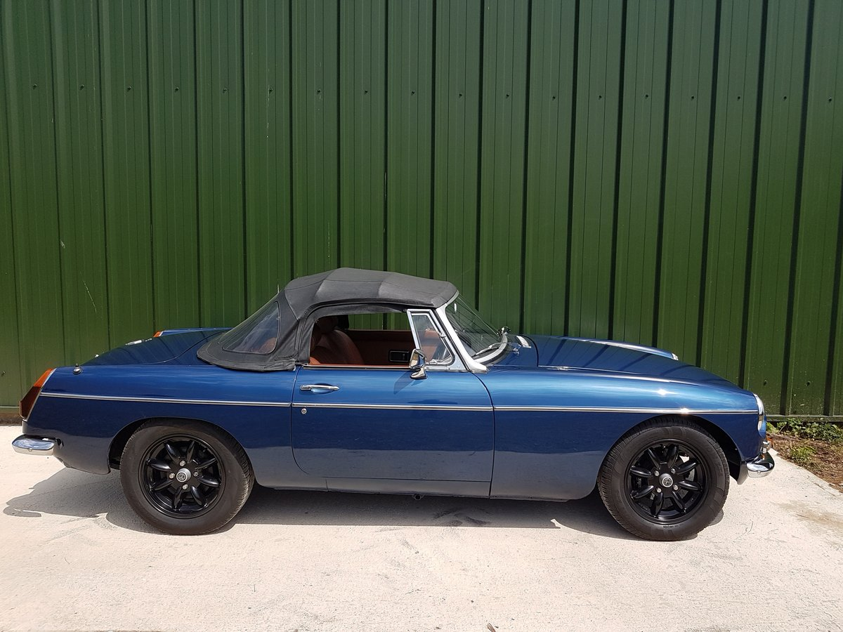 1971 MGB Roadster V8 SOLD (picture 2 of 6)