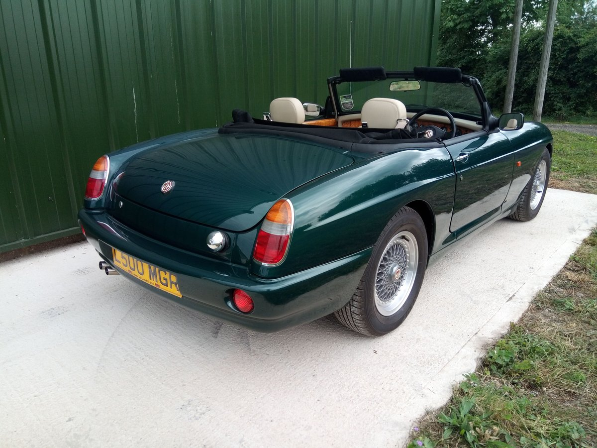 1994 MG RV8 rare UK car in superb condition SOLD (picture 3 of 6)