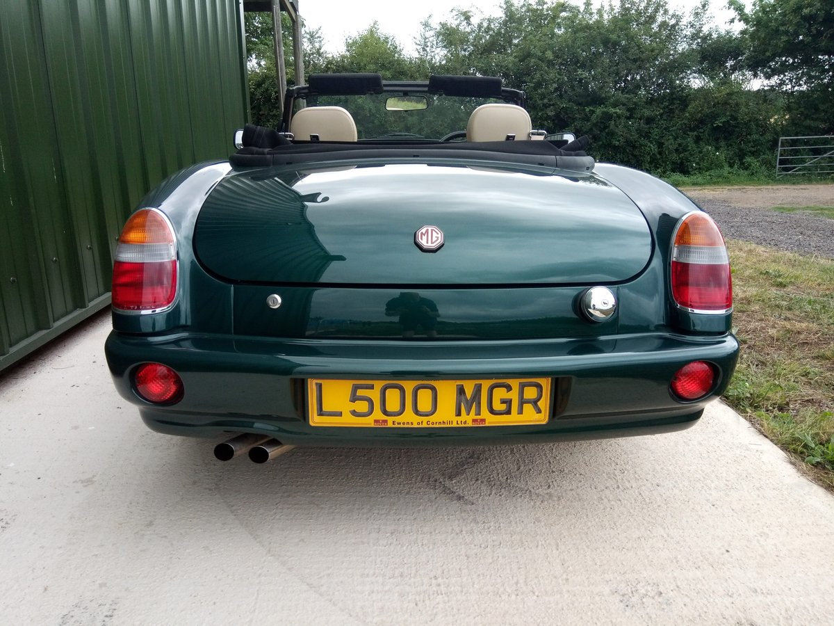 1994 MG RV8 rare UK car in superb condition SOLD (picture 4 of 6)