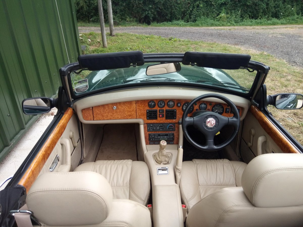 1994 MG RV8 rare UK car in superb condition SOLD (picture 5 of 6)