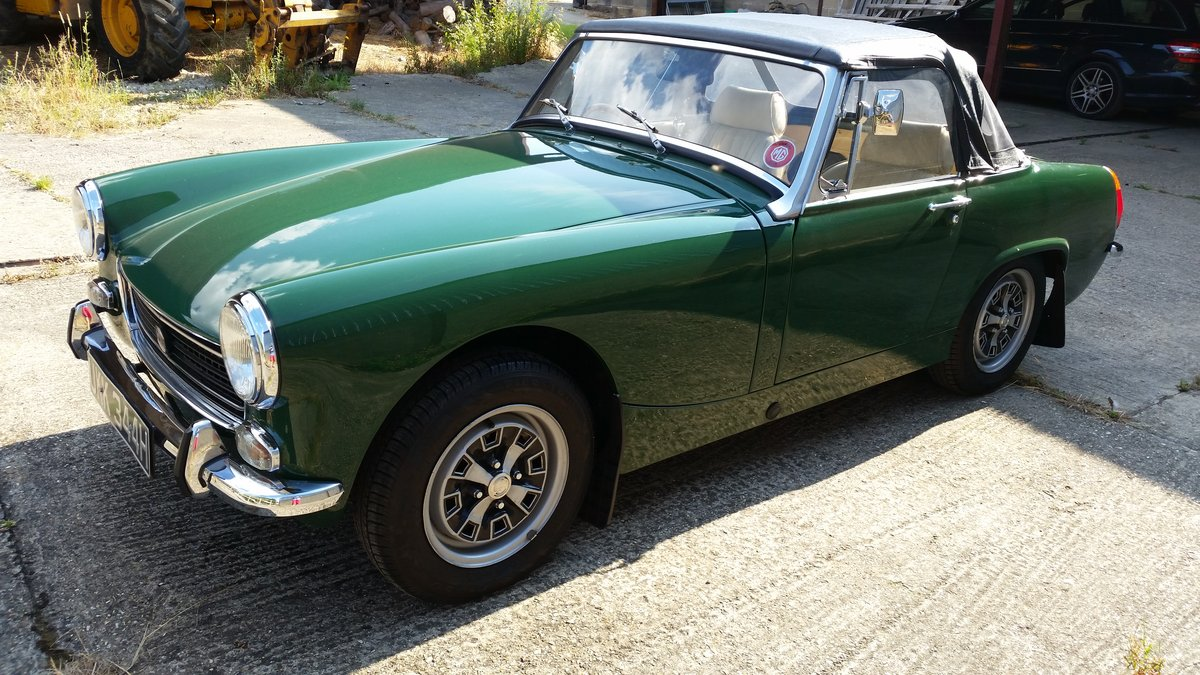 1970 Mike Authers Classics ltd offer a stunning MG Midget in BRG For Sale (picture 2 of 6)