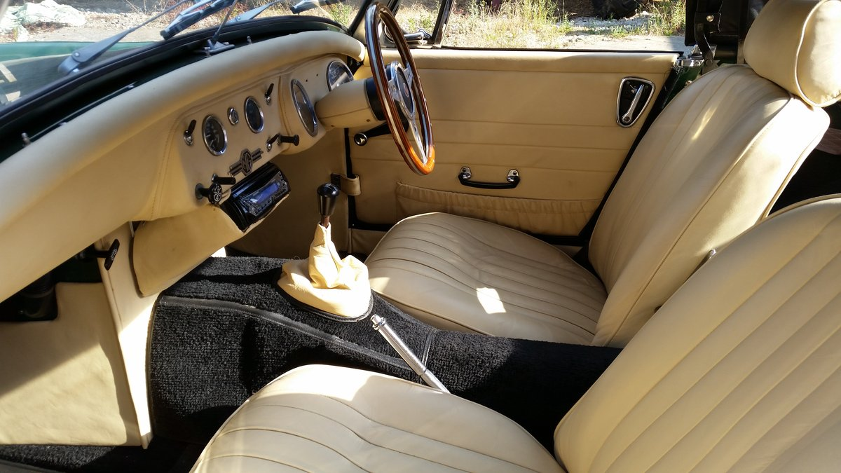 1970 Mike Authers Classics ltd offer a stunning MG Midget in BRG For Sale (picture 5 of 6)