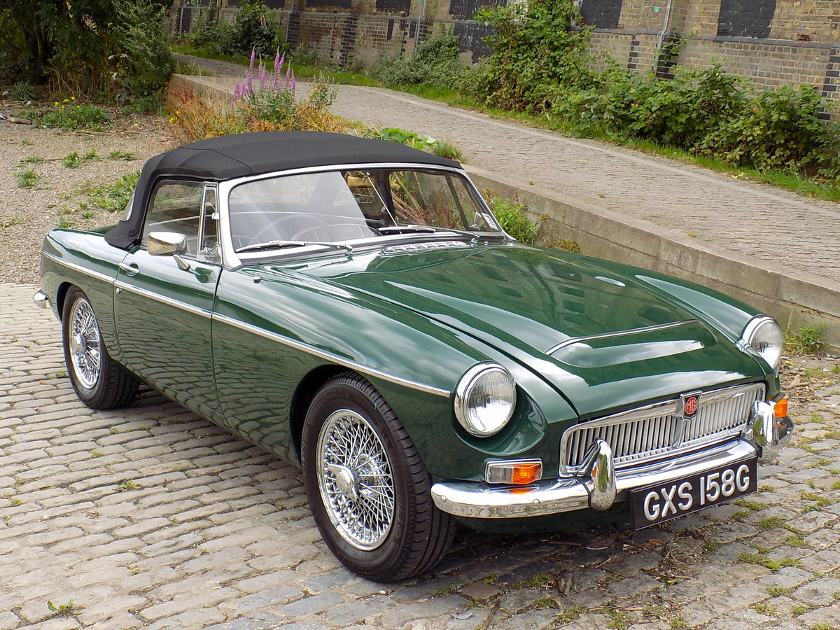 1969 MGC ROADSTER - FULLY RESTORED - CONCOURS CONDITION For Sale (picture 1 of 6)