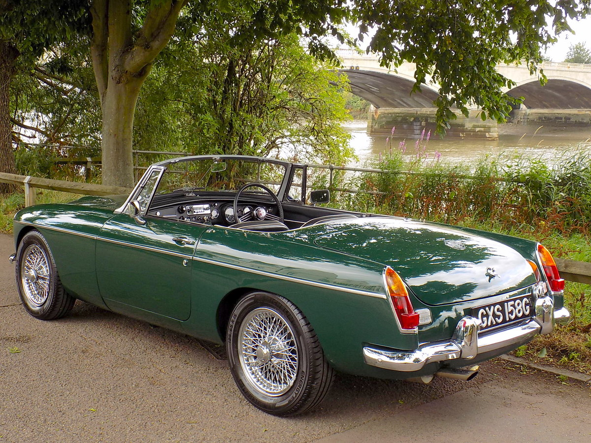 1969 MGC ROADSTER - FULLY RESTORED - CONCOURS CONDITION For Sale (picture 2 of 6)