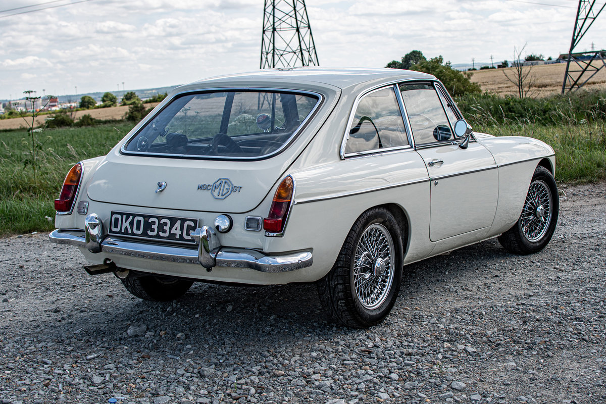 MGC GT -3L - Rare Automatic, Low Millage (1969) For Sale (picture 2 of 6)