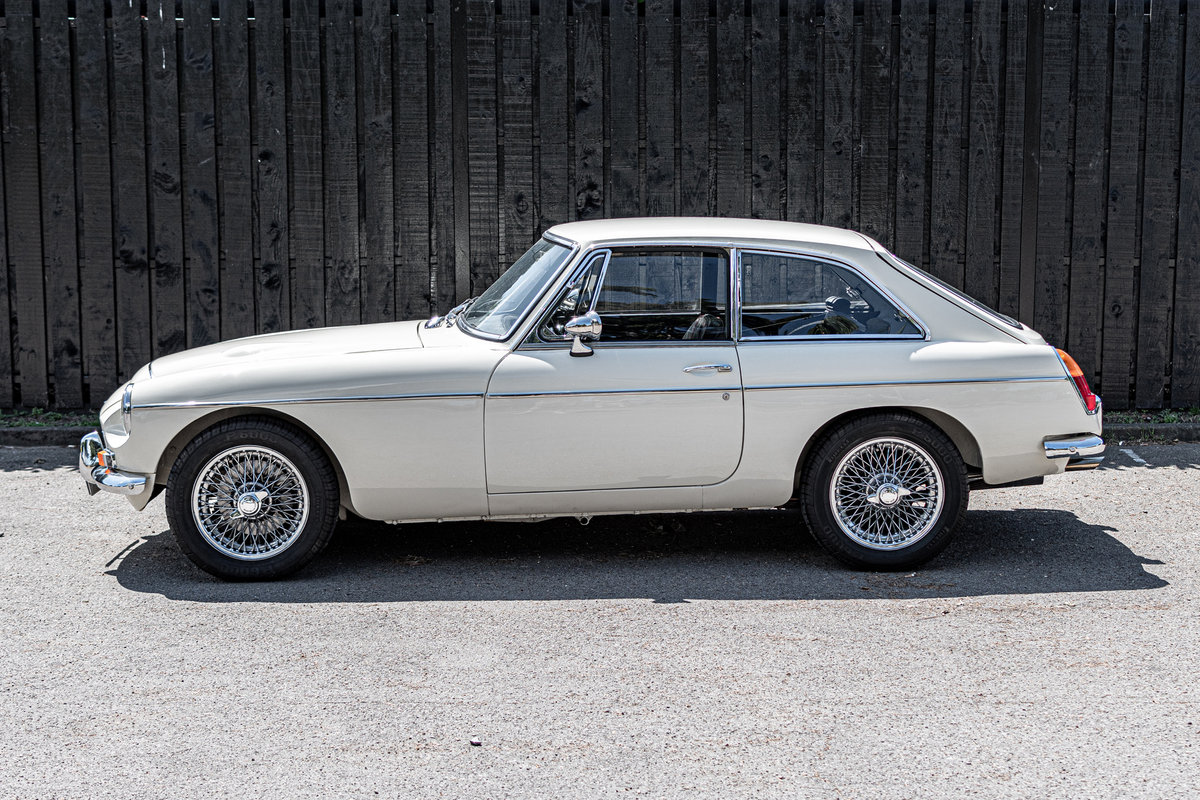 MGC GT -3L - Rare Automatic, Low Millage (1969) For Sale (picture 3 of 6)