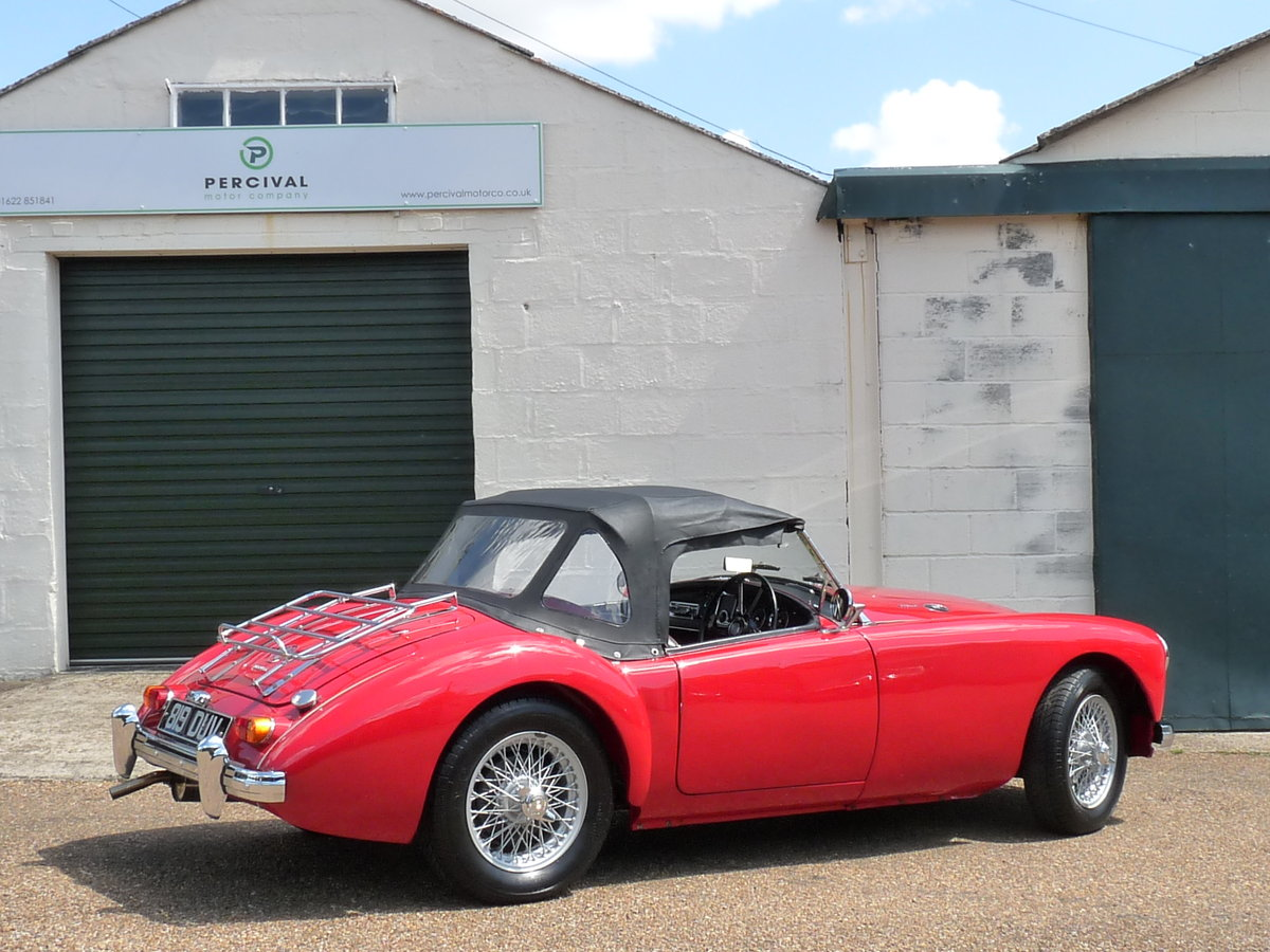 1962 MGA Roadster Mk11, restored, SOLD SOLD (picture 2 of 6)