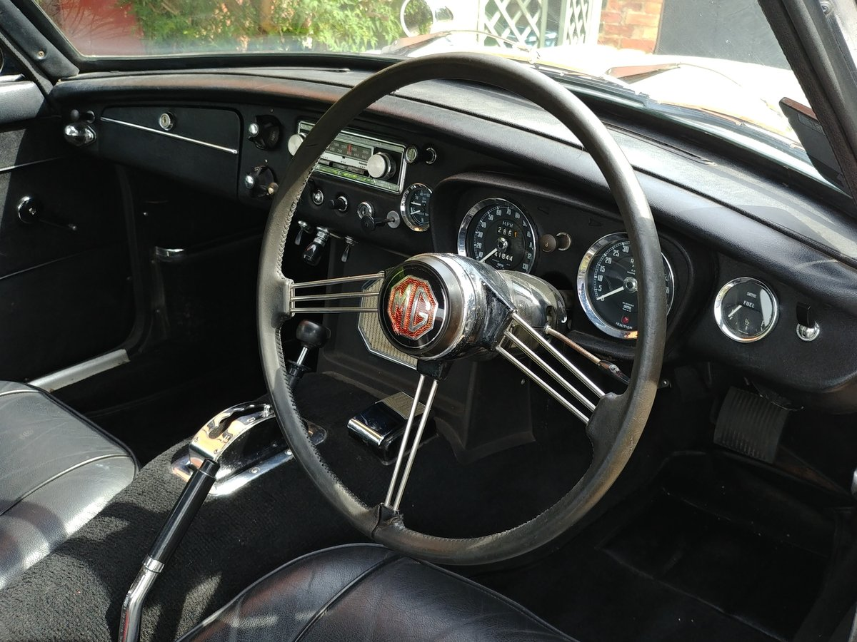 1969 MGC GT Automatic For Sale (picture 4 of 6)