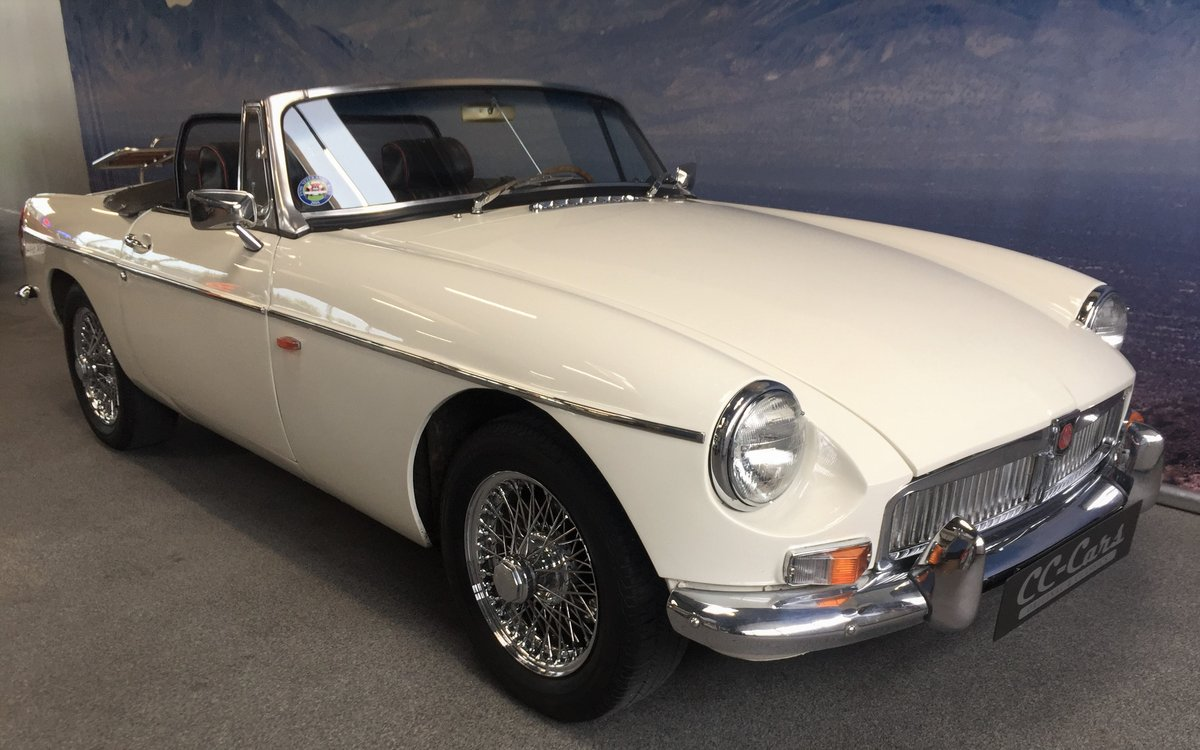 1965 MG B 1.8 Roadster ''Pull Handle'' SOLD (picture 1 of 6)