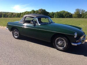 Superb Mk1 1967 MGB Roadster in  Racing Green For Sale