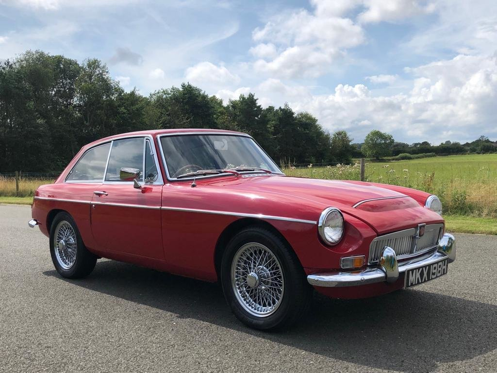 1969 MGC GT Manual Overdrive. Tartan Red with Black Leather  SOLD (picture 3 of 6)