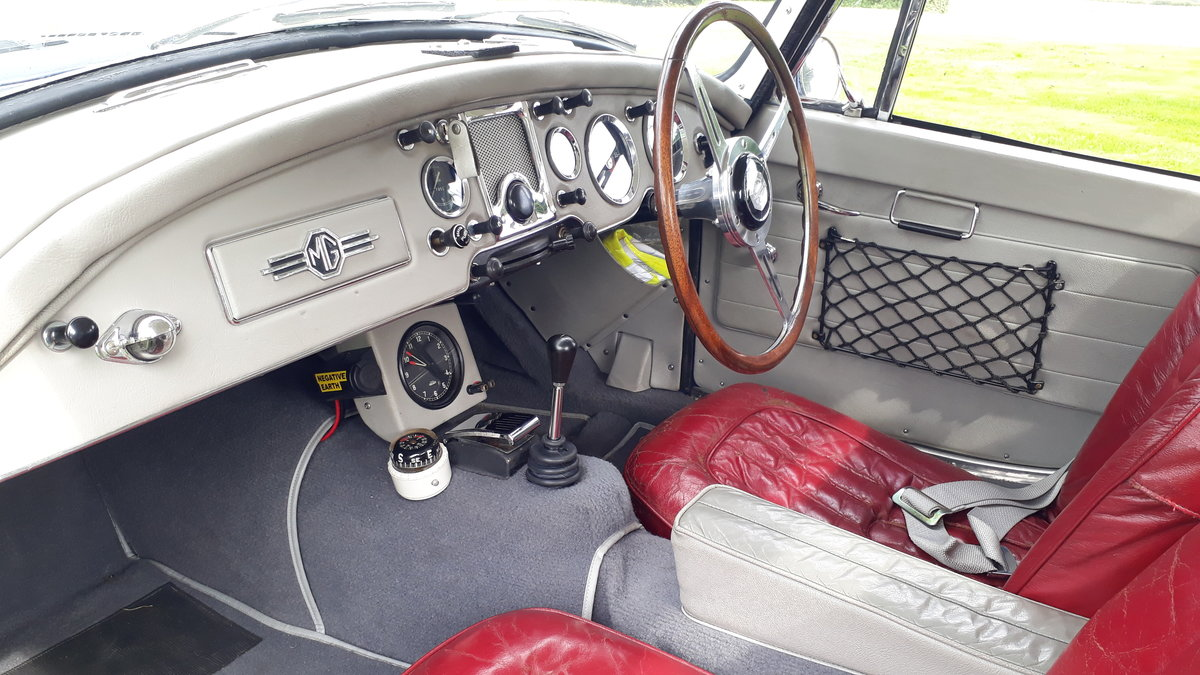 MG A MGA Coupe FHC 1798cc 1958 7k Miles Conversion Special For Sale (picture 3 of 6)