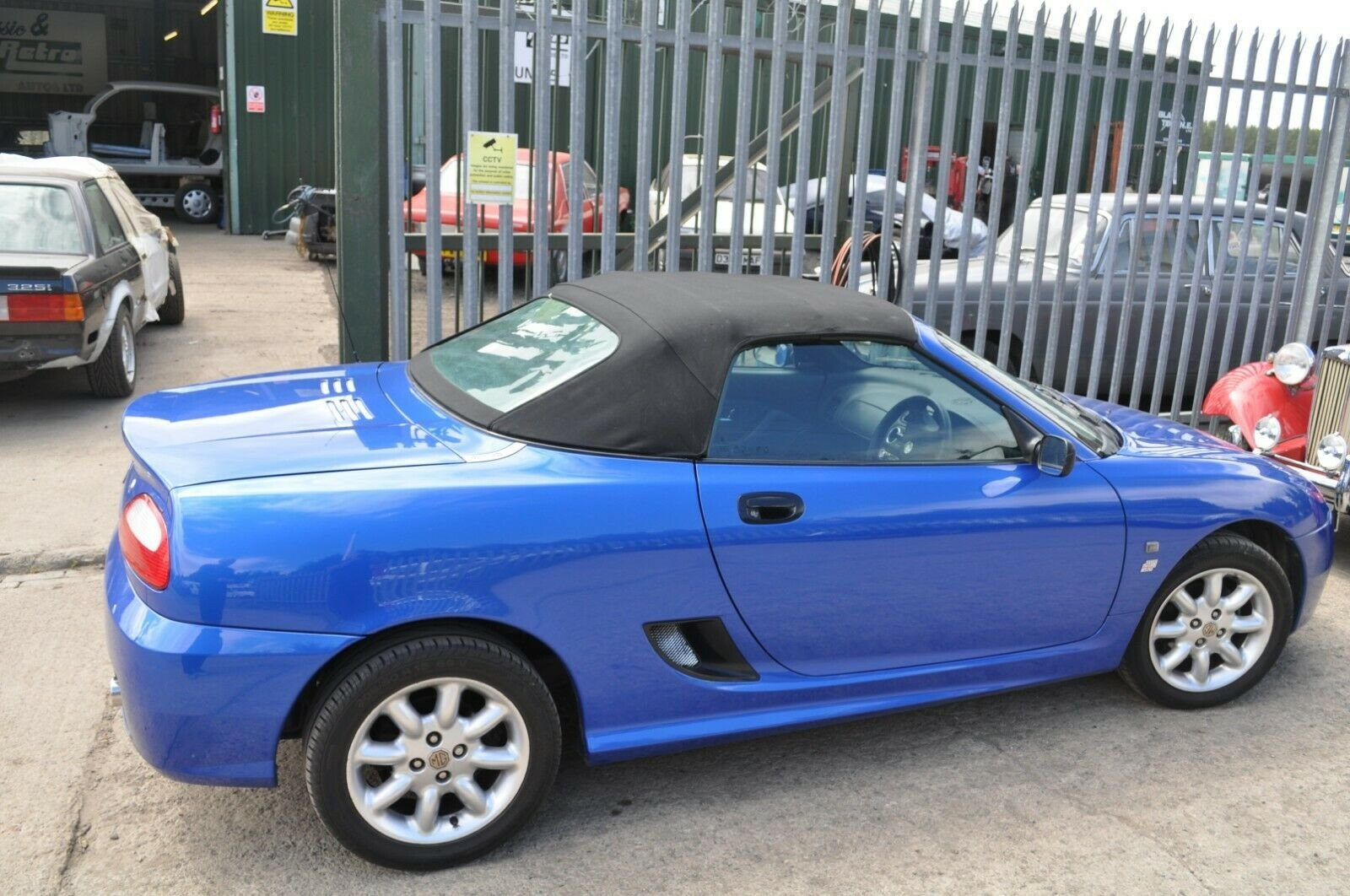 2002 MG TF TROPHY BLUE MOT 43000 MILES VERY GOOD CONDITION For Sale (picture 4 of 6)