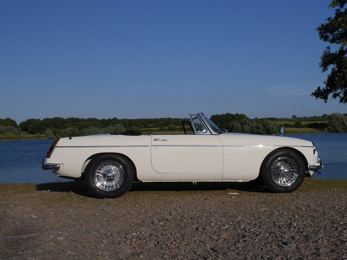 1968 MGB Roadster  SOLD (picture 6 of 6)