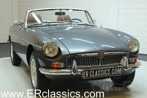 MGB Cabriolet 1977 Jaguar Gun Metal Grey in good condition For Sale