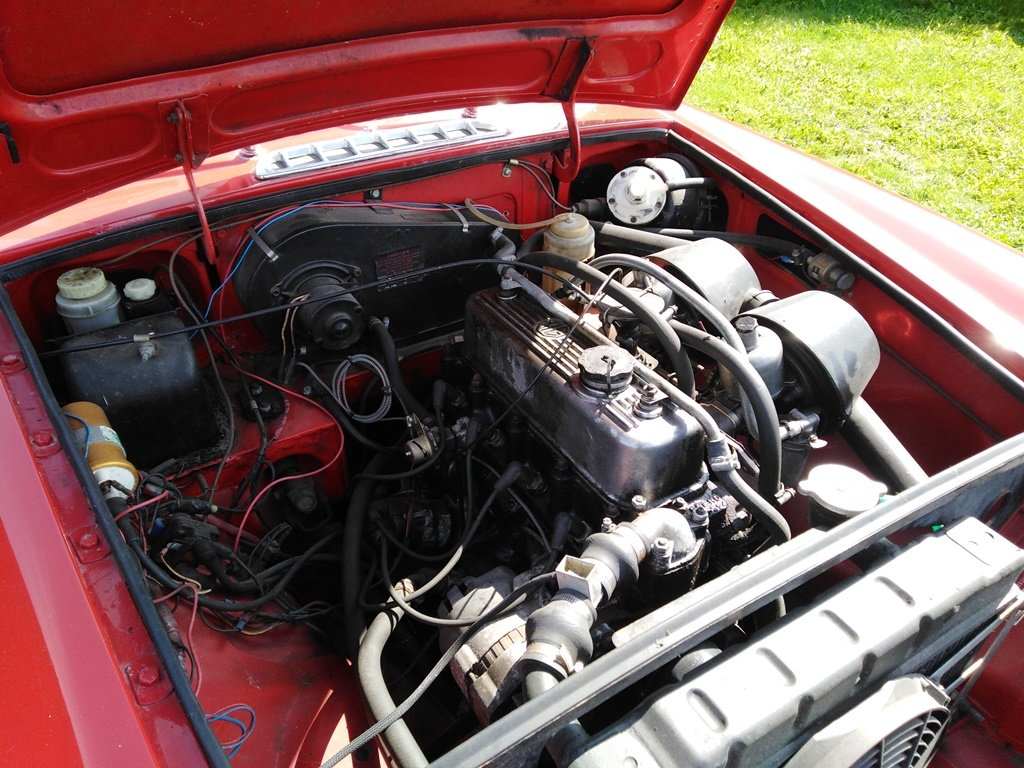 1967 Red MG B GT For Sale (picture 5 of 6)