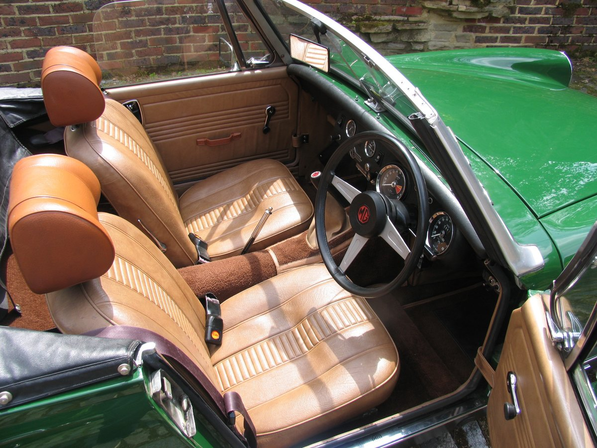 1975 SHOWROOM CONDITION MG MIDGET For Sale (picture 2 of 6)