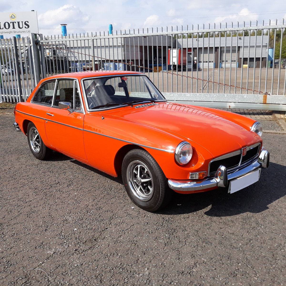 1974 MGB GT .  SOLD (picture 1 of 6)