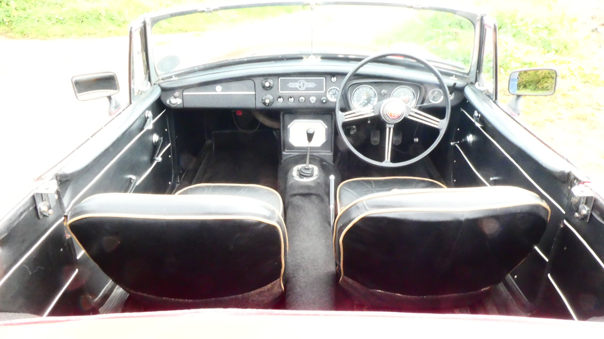 1963 MGB Roadster Early Pull Handle Car  For Sale (picture 5 of 6)