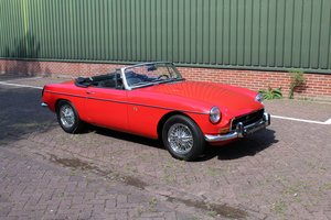 MG B Cabriolet € 14.900 For Sale