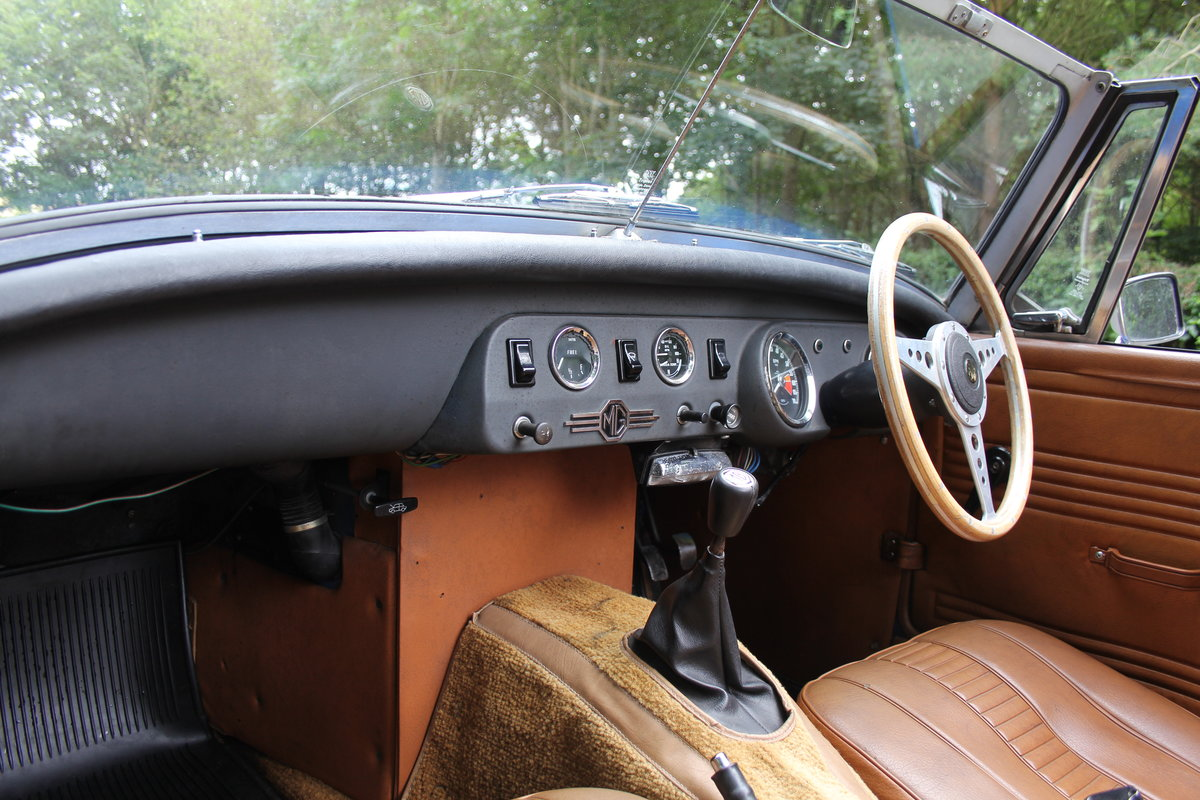 1977 MG Midget 1500 - 10k miles since new Gold Seal engine  For Sale (picture 11 of 19)