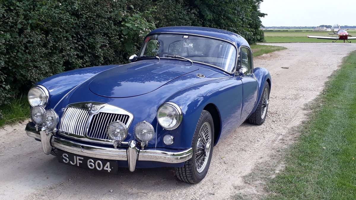 MG A MGA Coupe FHC 1798cc 1958 7k Miles Conversion Special For Sale (picture 4 of 6)
