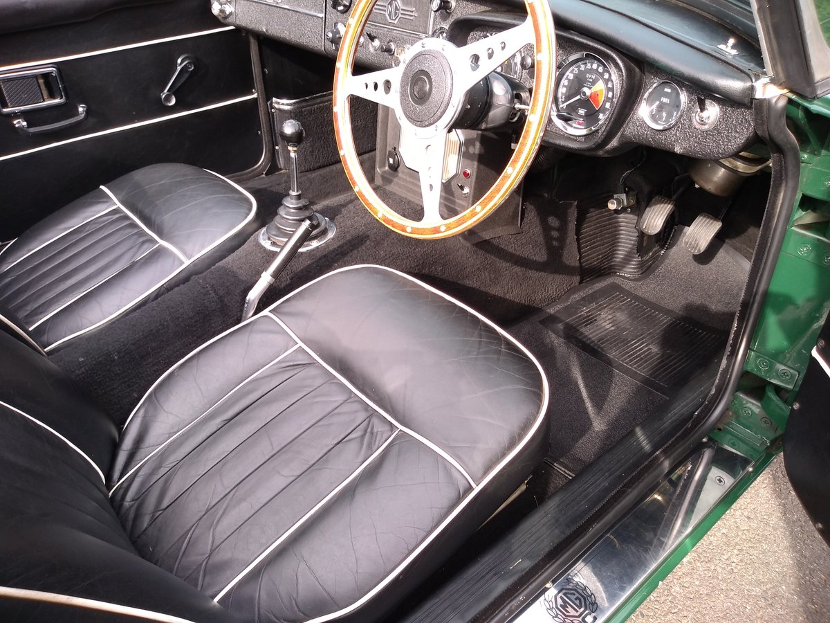 1968 MGC Convertible SOLD (picture 4 of 6)