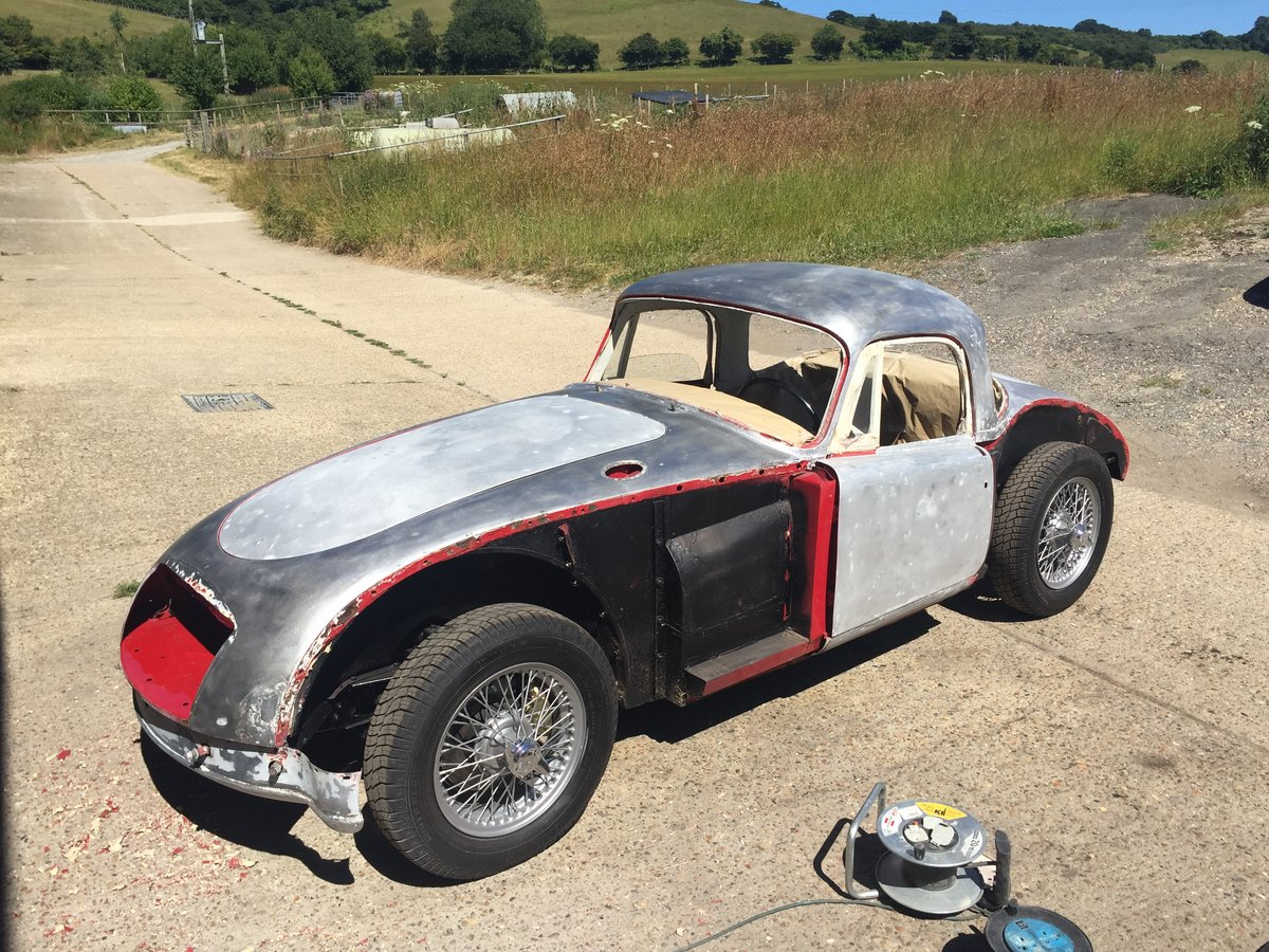 Superb 1961 MGA MkII 1600 Coupe LHD For Sale (picture 5 of 6)