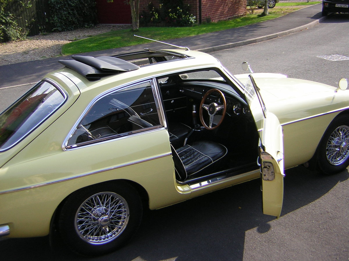 MGB GT 1967, Prev Show Winner, Stunning Mk1  SOLD (picture 2 of 6)