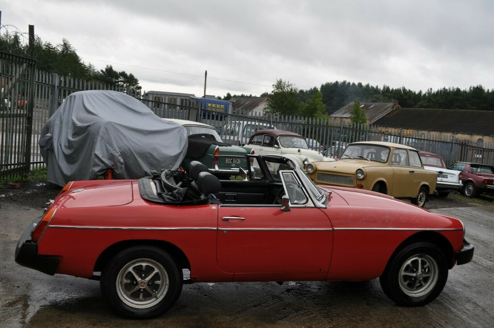 1975 MG MGB ROADSTER IN RED TAX EXEMPT GOOD SOLID CLASSIC CA For Sale (picture 2 of 6)