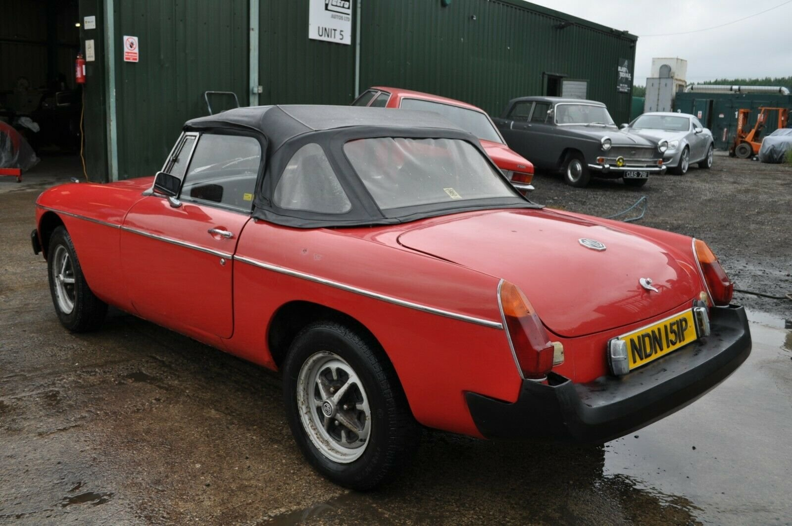 1975 MG MGB ROADSTER IN RED TAX EXEMPT GOOD SOLID CLASSIC CA For Sale (picture 4 of 6)